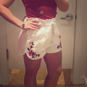 Express white floral shorts